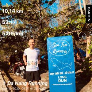 Biegacz w Wild Run 2020 z Wietnamu.